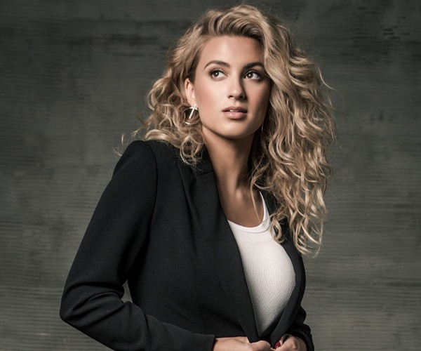 Tori Kelly - Saturday 21...